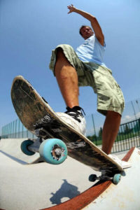 Skateboarding and active sports with Slacklace